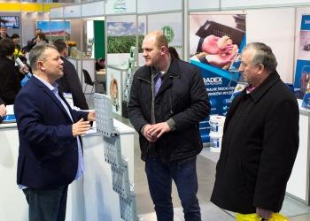 Rajmund Bartoszewicz podczas rozmowy z uczestnikami Targów Ferma 2017