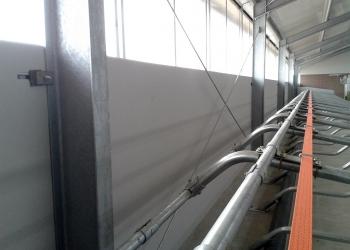 Ściany z płyty warstwowej do obory