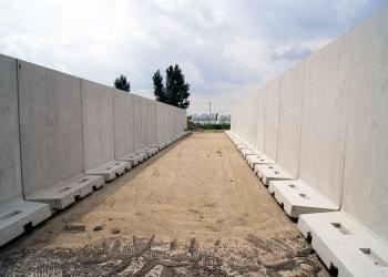 Silos dwukomorowy betonowy na kiszonki z kukurydzy
